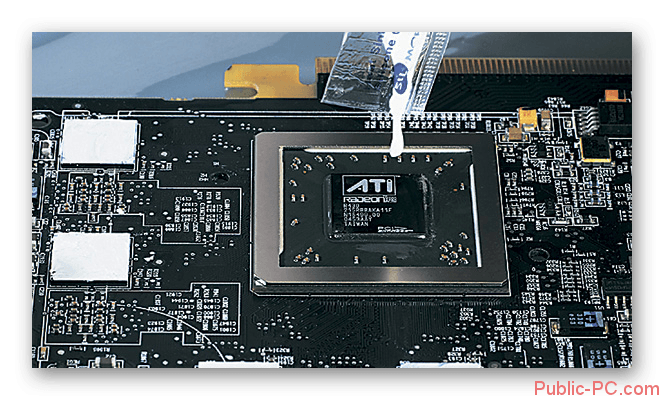 Nanesenie-novogo-sloya-termopasti-na-chipset-videokarti